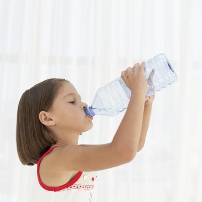 bambina acqua
