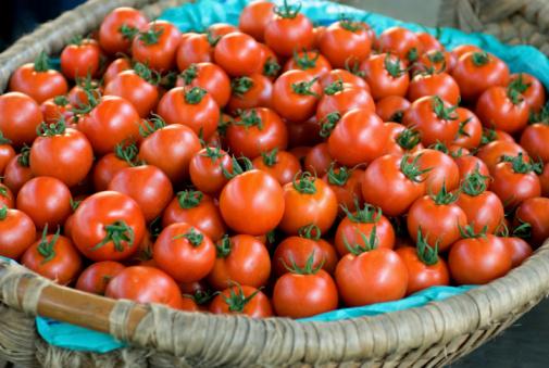cesto pomodori
