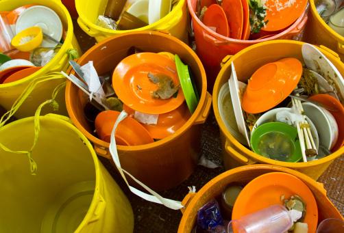 stoviglie piatti plastica
