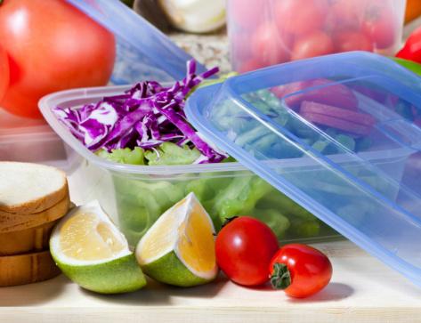 Contenitori per alimenti con coperchio in plastica
