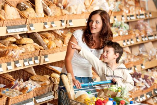 supermercato donna bambino
