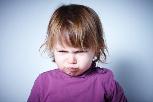 bambino capricci triste