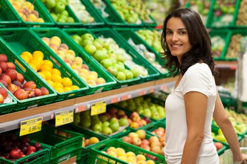 supermercato donna 136504185