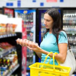 supermercato donna 162414763