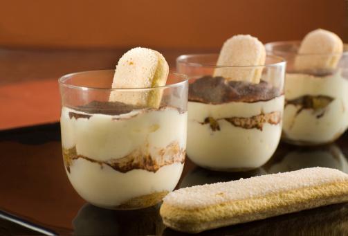 tiramisu dolce dessert 155017765