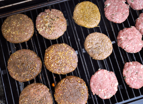 hamburger macinato carne 179279648