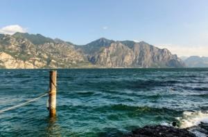 lago garda acqua 166723817