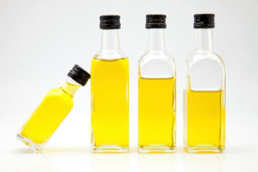 olio oliva bottiglia 178641561