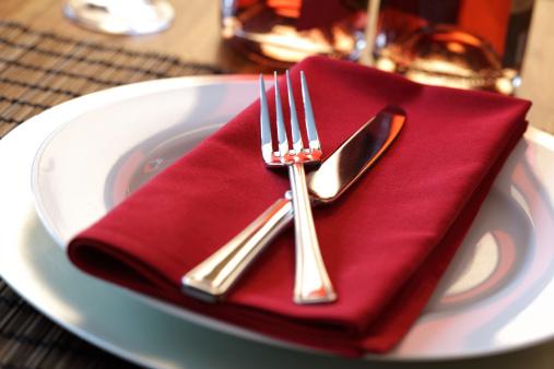 ristorante posate 109155873