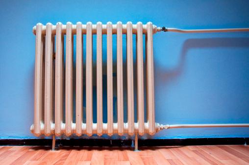 termosifone riscaldamento caldo casa 177375563