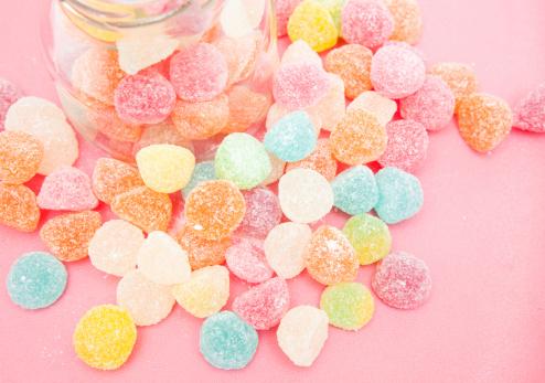 zucchero caramelle dolci 158753416