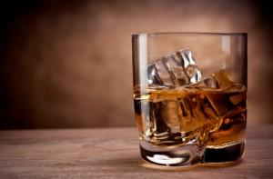 bevande alcoliche liquore alcol 166107766