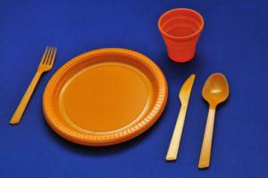 bicchieri piatti plastica 119798439 PFA