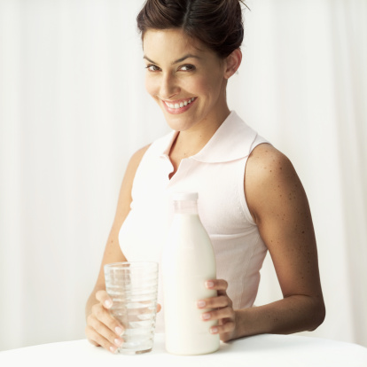 latte donna 56568424