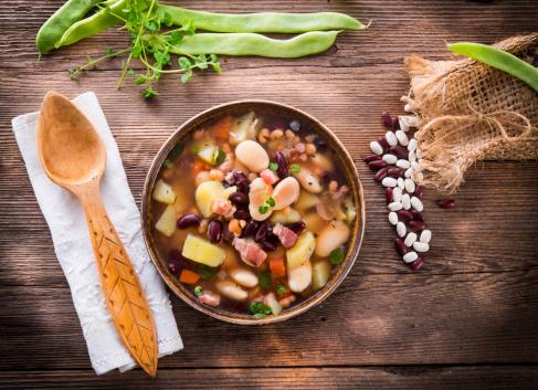 minestra minestrone verdura 176412970