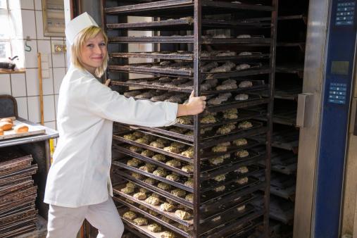 Pane e sale forno panettiere fornaio donna