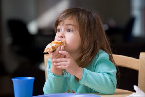bambina pizza mangiare 87791704 fast food