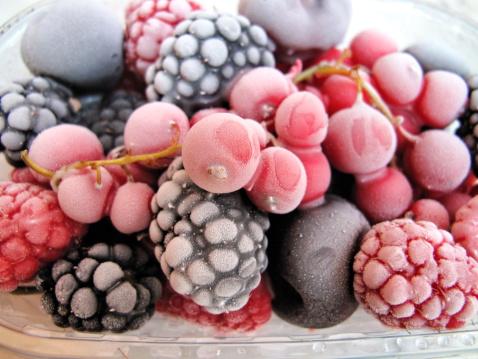 sicurezza alimentare frutti di bosco surgelati 178711420