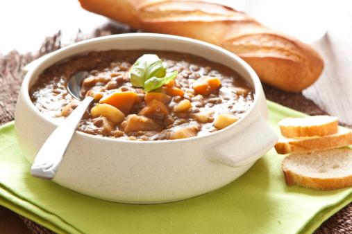 minestrone zuppa 181444554