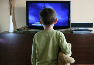 bambini tv schermo 100687916