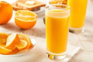 succo d'arancia 183076840