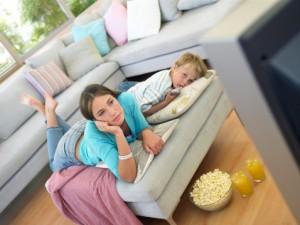 tv bambini junk food 200380665-001