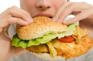 pubblicità di junk food 478592717