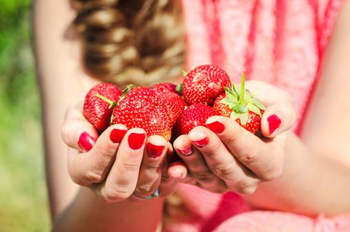 video fragole frutta 179354321