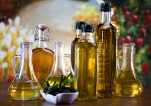 olio extra vergine di oliva 163652807