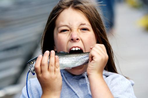 pesci bambini 153478632