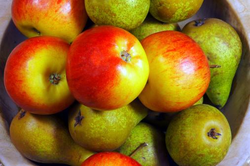 frutta mele pere pesticida 464933549