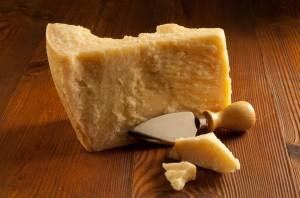formaggio grana iStock_000011603474_Small