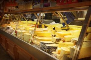 formaggio supermercato iStock_000020289599_Small