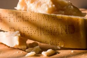 parmigiano formaggio iStock_000013404491_Small