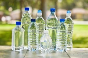 bottiglie di plastica iStock_000008594134_Small
