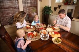 cena famiglia regolarità dei pasti