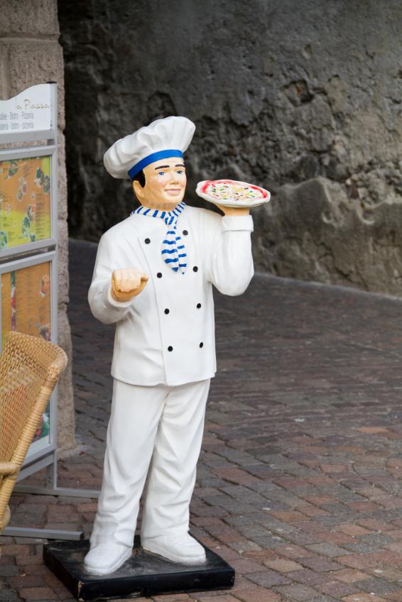 pizza Chef statue