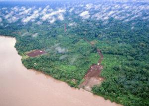 deforestazione disboscamento foreste fiume iStock_000017825815_Small