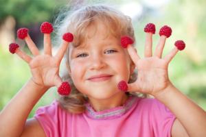 bambini frutta