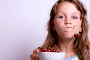 ciliegie frutta bambini iStock_000003821545_Small