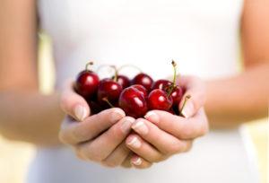 ciliegie frutta iStock_000009568197_Small pellicola