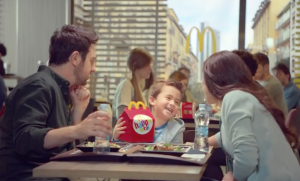 pubblicita mcdonalds happy meal 2015
