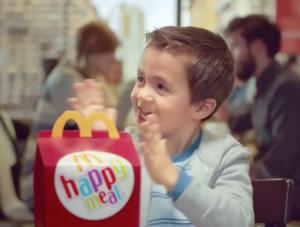 pubblicita mcdonalds happy meal 2015 bambino fast food