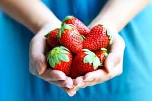 fragole frutta iStock_000013271393_Small