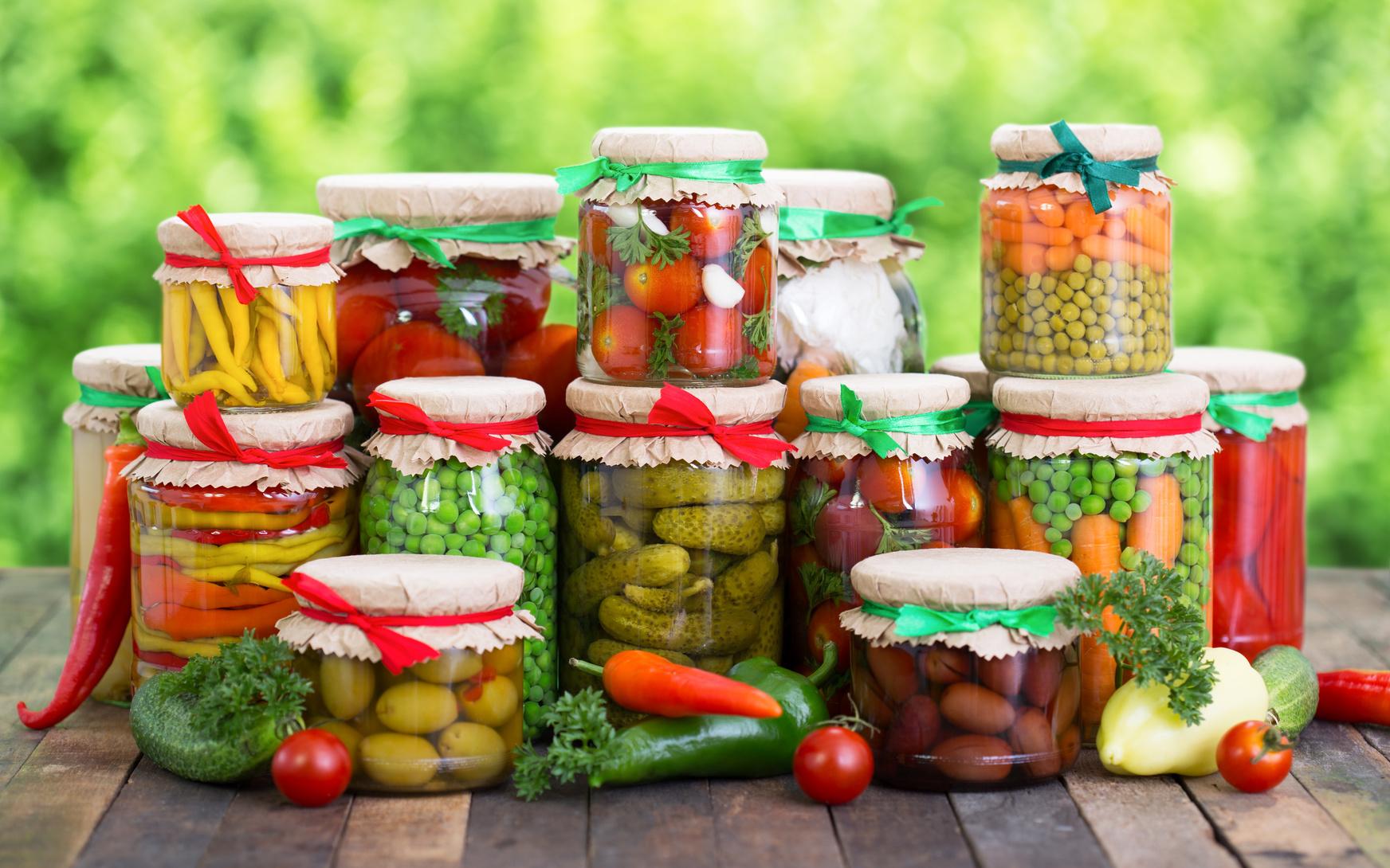 Contenitori Vetro Per Conserve conserve di pomodoro: tutti i segreti per prepararle senza