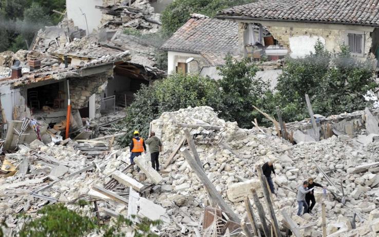 terremoto_pescara_del_tronto ansa