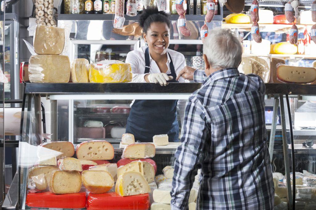 gastronomia-formaggio-alimenti-negozio